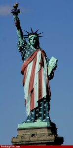 Statue-of-Liberty-Dressed-in-the-American-Flag--43144